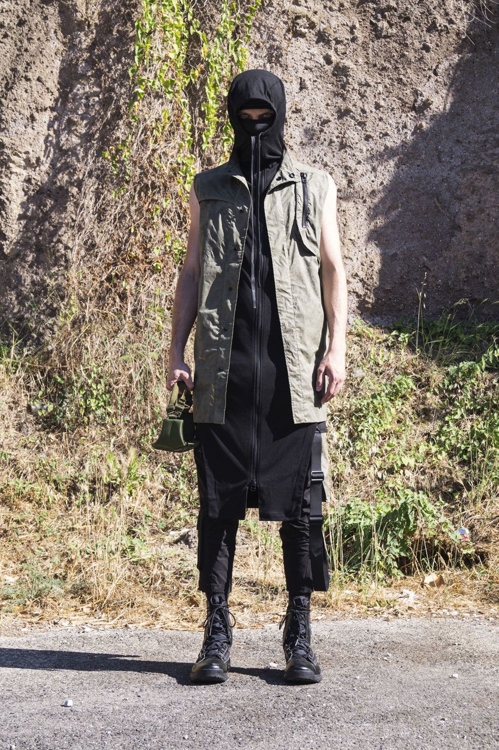 GALLSS18_UNBORNSURVIVAL_LOOKBOOK_MANRED (3)_Page_28.jpg