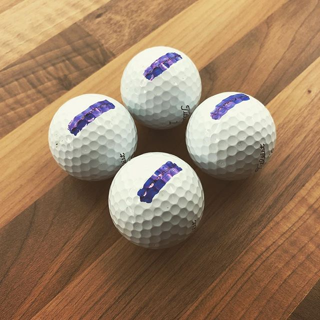 Marking up some fresh #prov1 balls today with a simple thick line so I can see how well I am rolling the ball #golf #titleiest #instagolf #putter #putting #custom