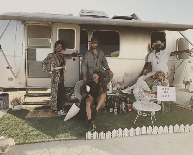 @jay_jonah_jacko and @sarilynnda sending us a shot from their amazing trip to #burningman in our beautiful 23 foot international Airstream  #camping # goroam #goodmorning #gooutside #airstream #happycamper #roamandboard #desert #enjoytheoutdoors #silverbeauty