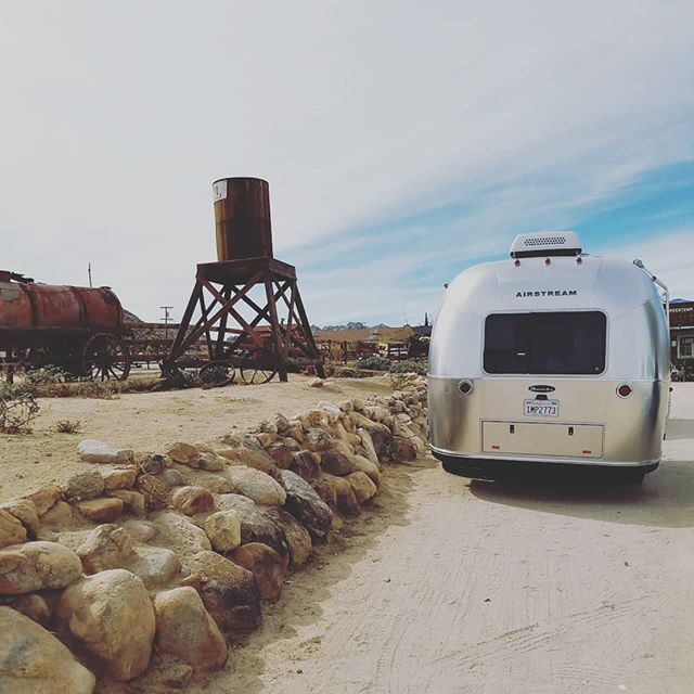 Time to explore!  Desert season is upon us... #gooutside #goodmorning #roamandboard #camping #airstream #bambi #desert #goroam #outdoors #pioneertown #socal #joshuatree #silverbeauty