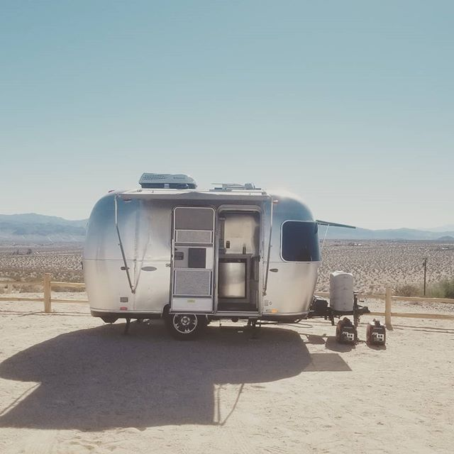 Come on in! #airstream #desert #joshuatree #glamping #airstream #gooutside #goroam #roamandboard #roamtheplanet #deserttrip #silverbeauty #outdoors