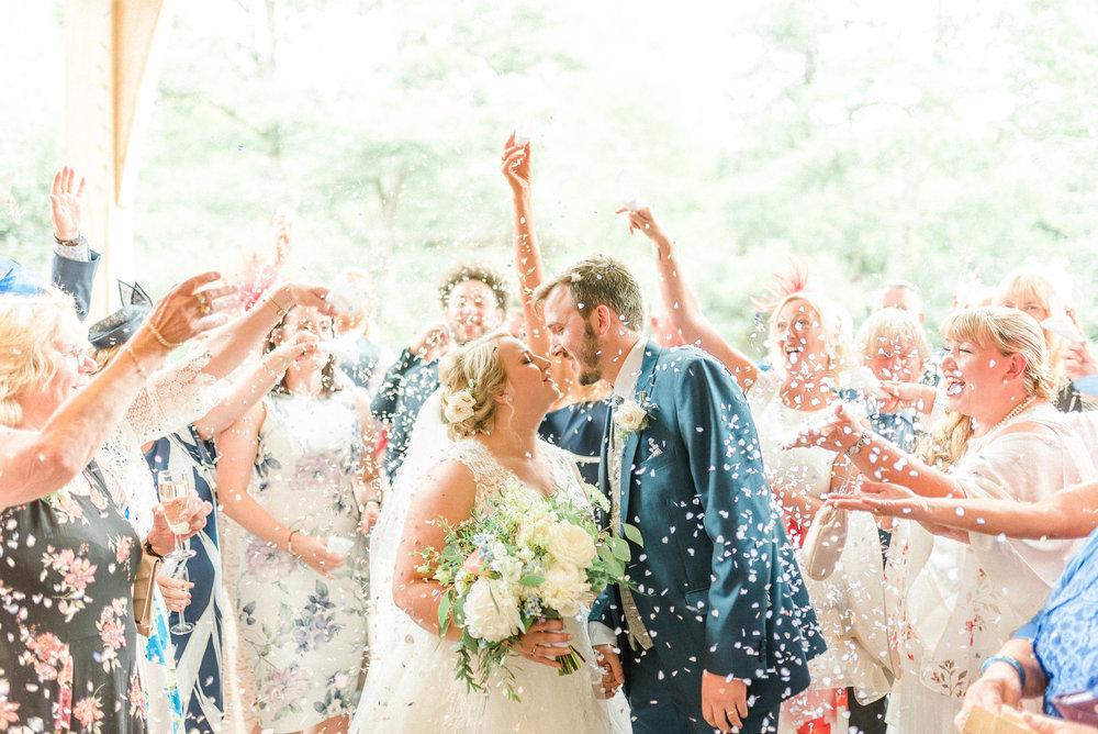 Willow & Thorn Wedding Flowers.jpg