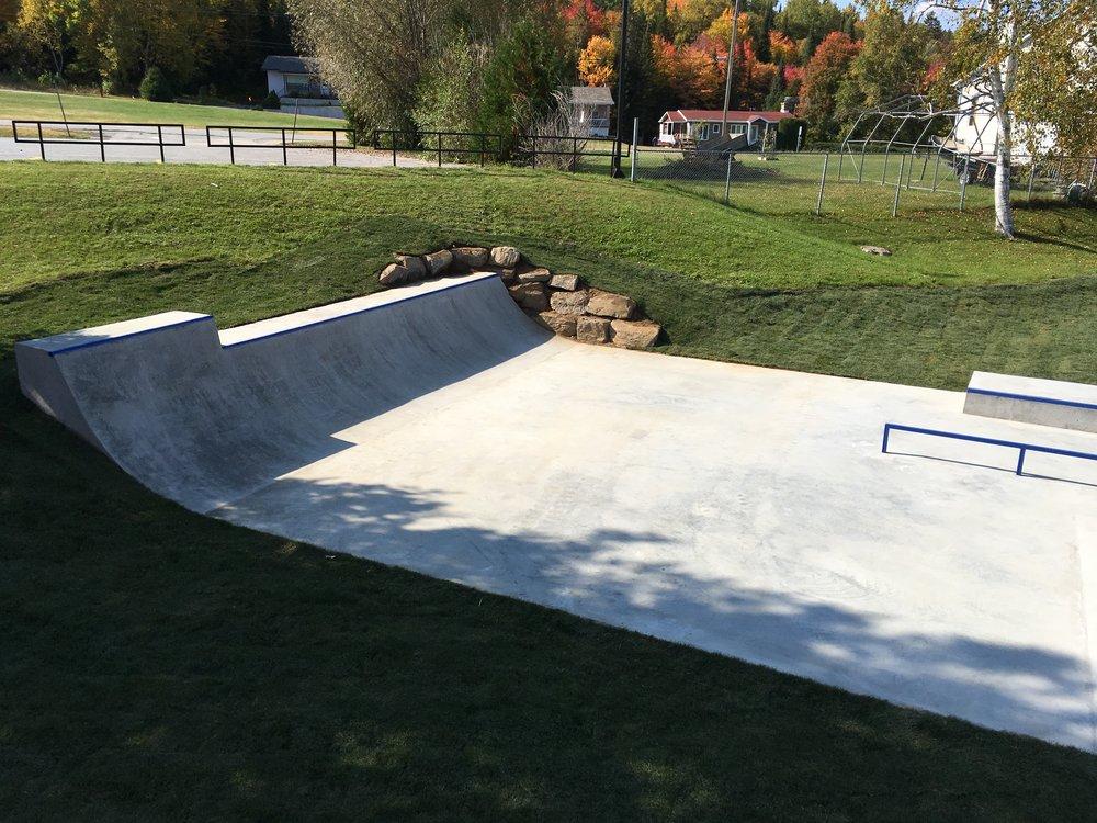 parc skateboard béton fabricant.JPG