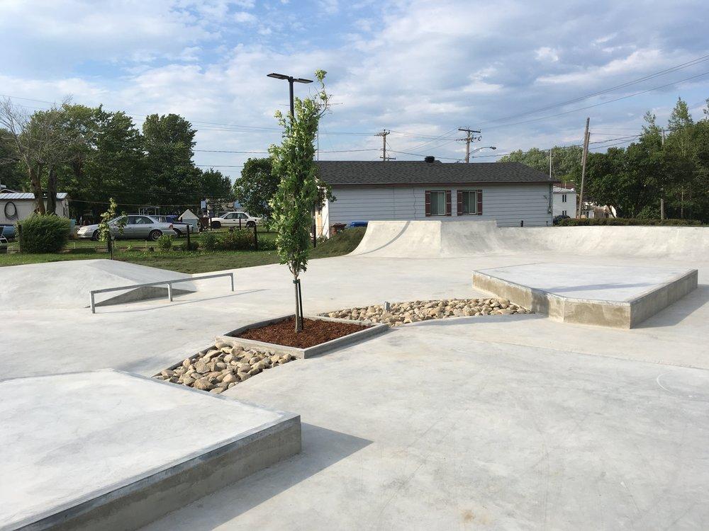 parc planche à roulettes - saint-felix-de-valois construction conception.JPG