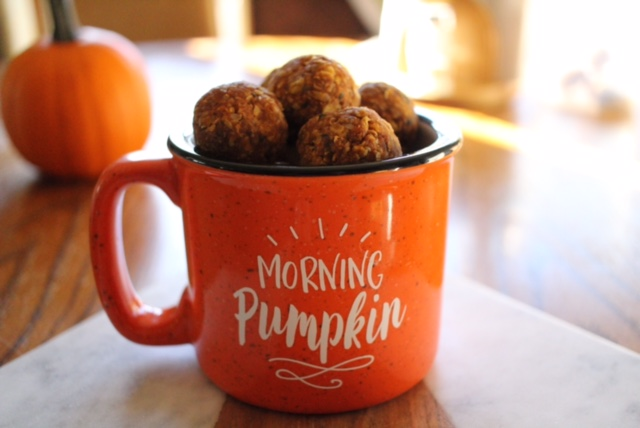 No Bake Pumpkin Oatmeal Energy Balls