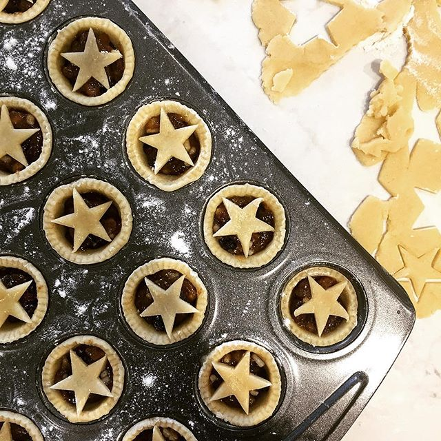 Mini mince pie time 🎄 . . . #christmas #mincepie #festive #baking #cooking #chef #sweettreat #goodfood #feedfeed #feedfeedbaking #f52 #f52grams #christmasbaking