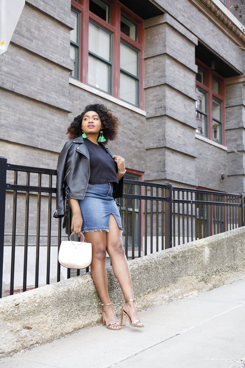 How to wear a denim skirt by jasmine diane.JPG