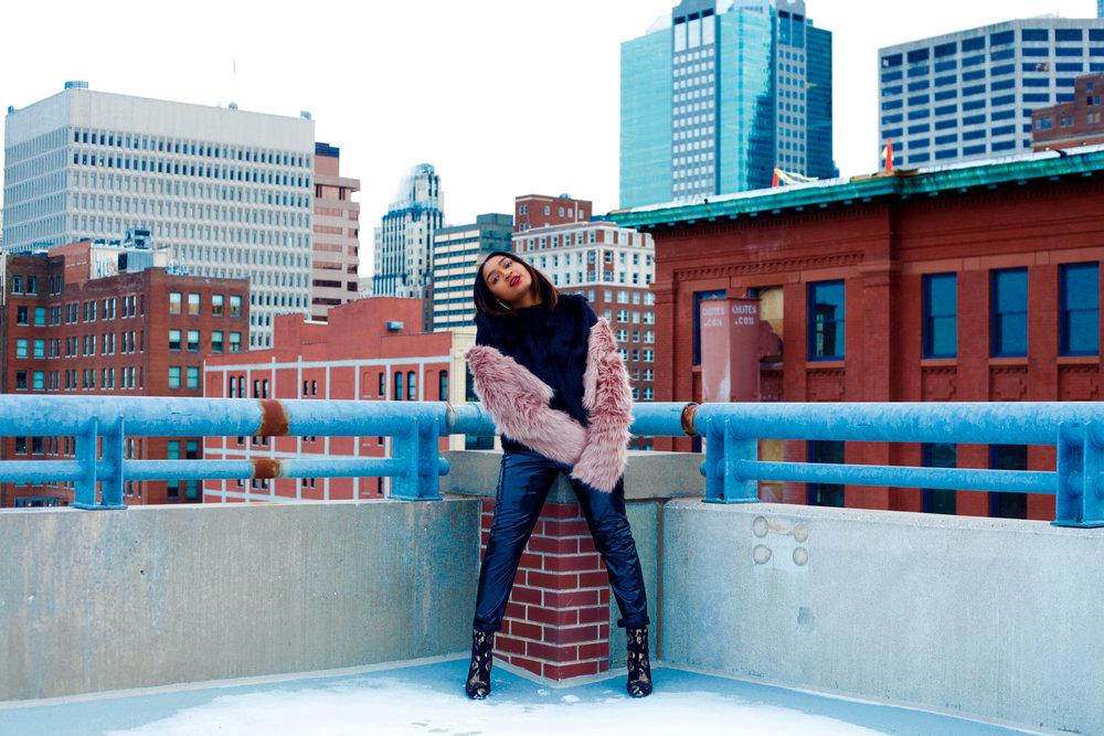 Kansas city fashion blogger jasmine diane wearing pink fur coat from forever21.