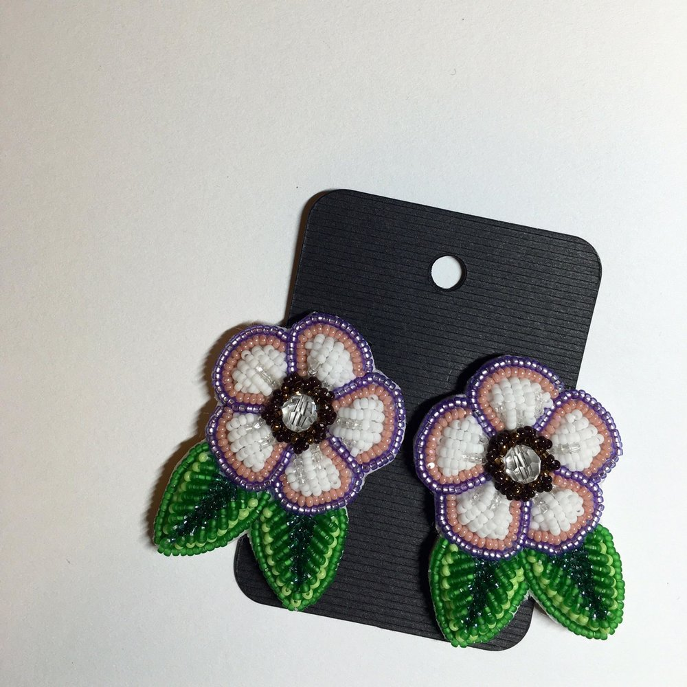 2016AUG-flower_earrings.jpg