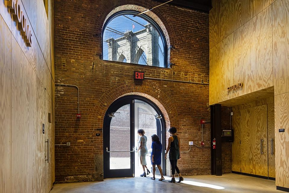 St. Ann's Warehouse, Brooklyn NY, Marvel Architects. ©David Sundberg/Esto
