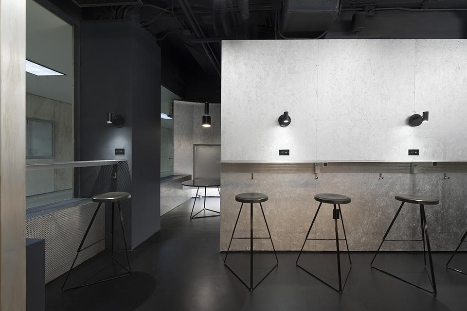 Voyager Espresso, New York NY, Only-If Architects. © Michael Vahrenwald/Esto
