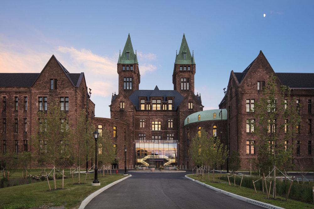 Hotel Henry, Richardson Olmsted Complex, Buffalo NY, Deborah Berke Partners. ©Christopher Payne/Esto