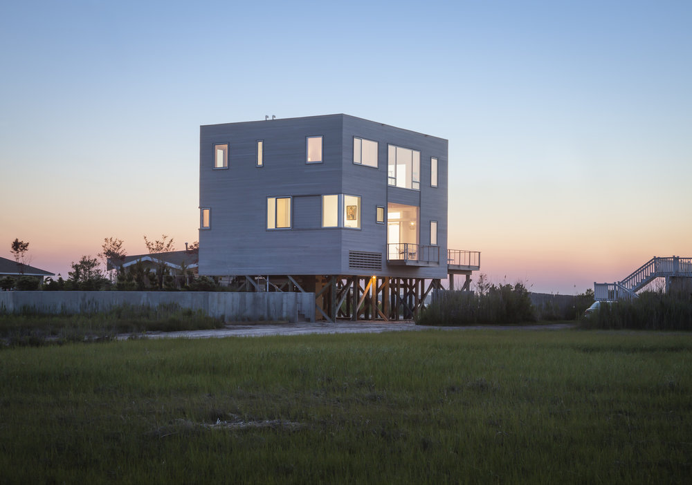 Cube House, West Hampton NY, Leroy Street Studio Architecture. © Christopher Payne/Esto