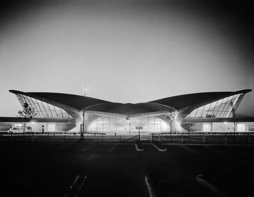 Ezra Stoller (American, 1915–2004), TWA Terminal at Idlewild (now JFK) Airport, Eero Saarinen, New York, NY, 1962. © Ezra Stoller/Esto