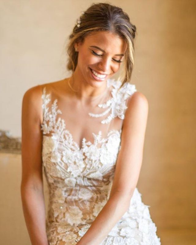 Throwing it back to this blushing bride...Luminous! Photography: @mikelarson  Event Designer: @toastsantabarbara  Beauty: @nicole_teamhairandmakeup and @kita_teamhairandmakeup