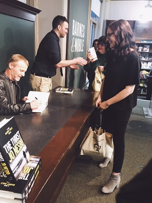 Barnes and Noble_signing.jpg