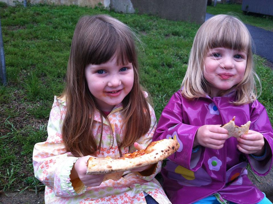 pizza smile - open hearth pizza at the Five Corners Farmers' Market