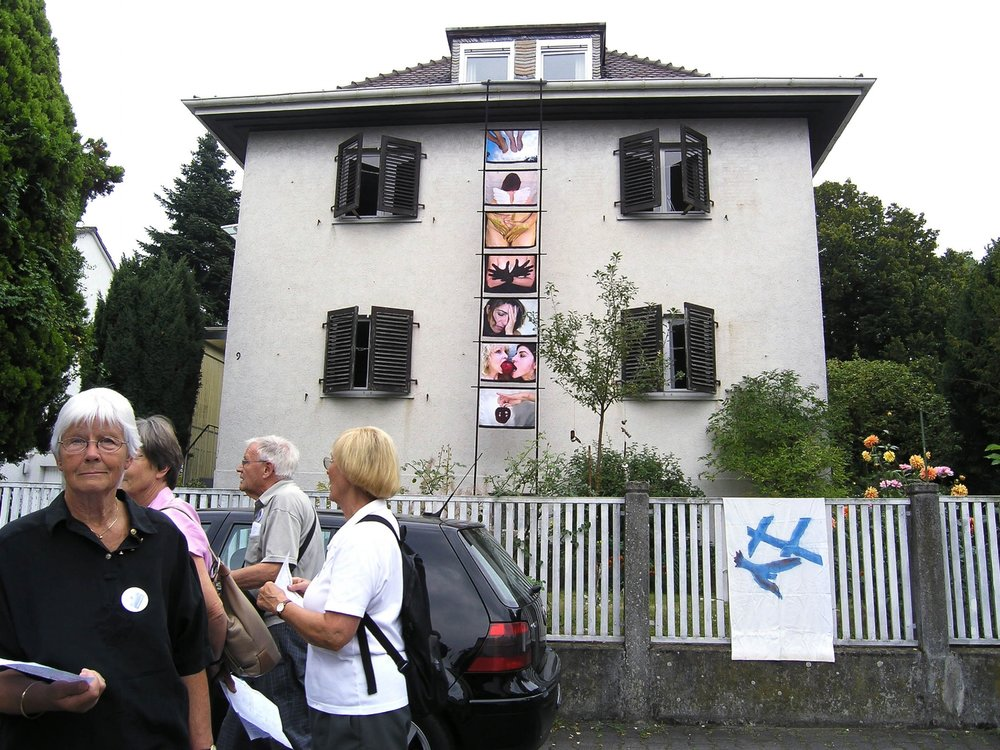 house-web.jpg