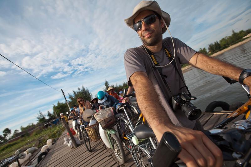 Vietnam Hue Bicycle Traveller Ricardo-Ruth Murphy 2012-IMG4911 Lg RGB.jpg