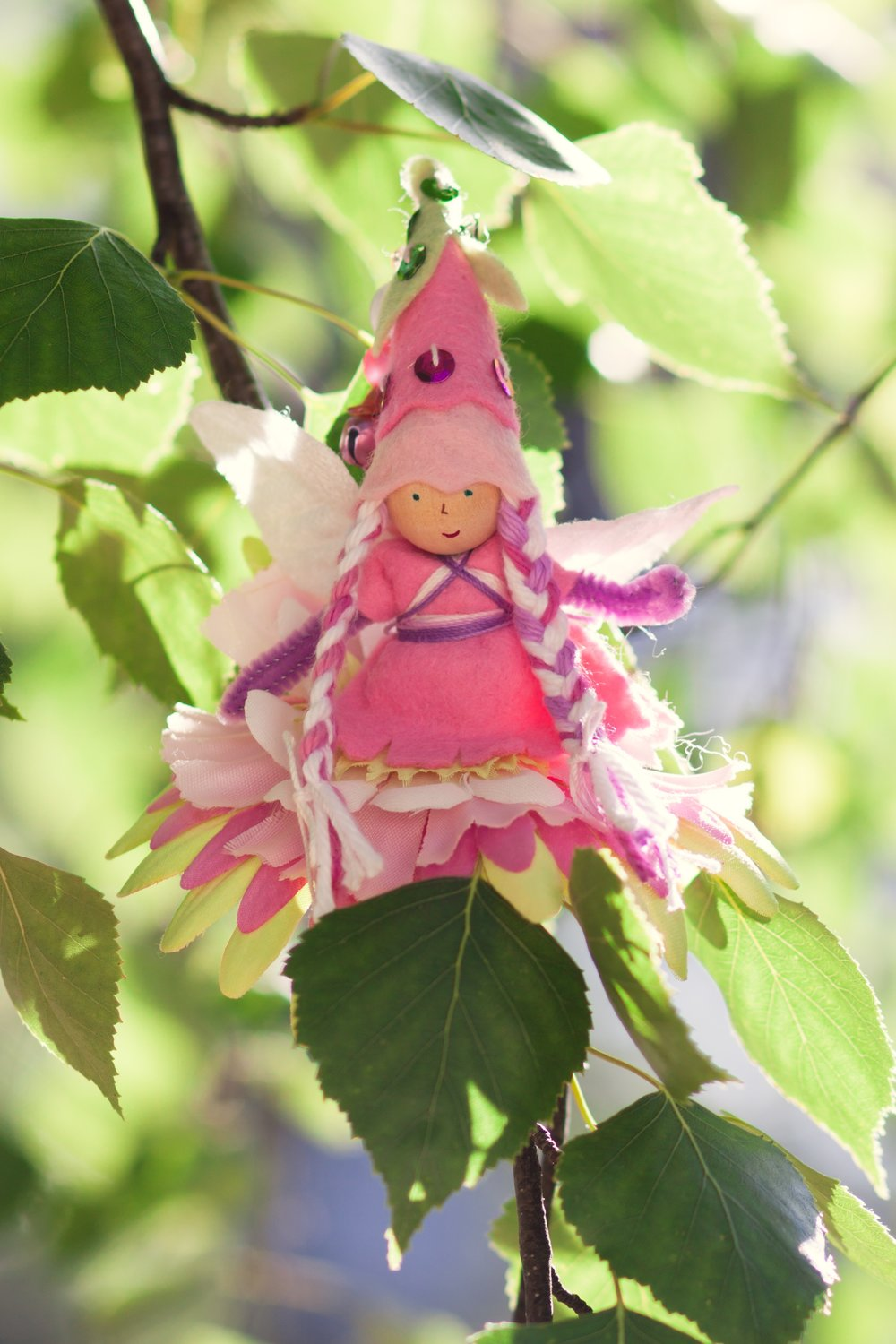Forest Fairy Crafts | fairy doll by Lenka Vodicka-Paredes | crafting with children