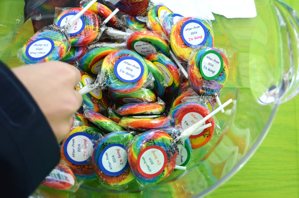 Free lollipops were given out with each After Prom ticket purchased. Photo by Emily Meyer