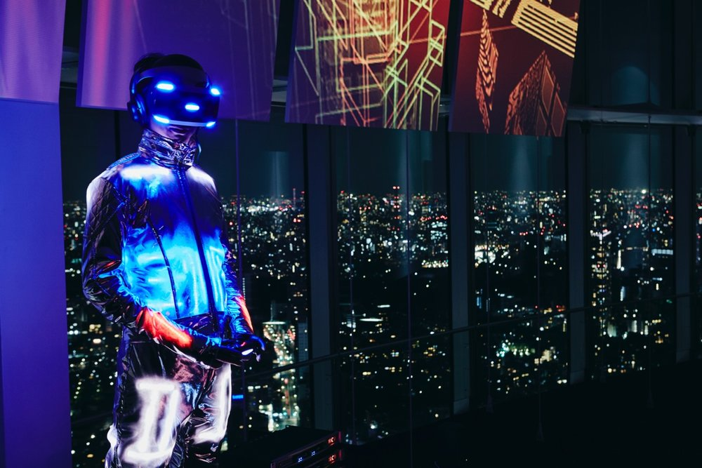 Rez Infinite Synesthesia Suit. Tetsuya Mizuguchi (Project Professor at KMD), KMD Embodied Media Project and Rhizomatiks won the Good Design Award 2016.