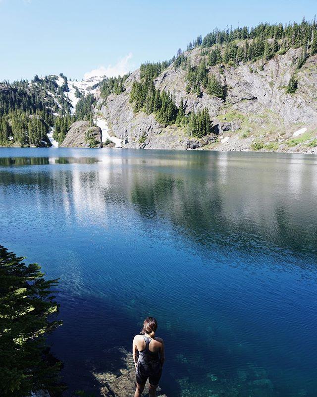 I'm craving the outdoors! Any hike recommendations? #pnwhikes #hiking #seattle #outdoors #washingtonhikes #hikes #womenwhohike #nationalpark #statepark #washingtonparks