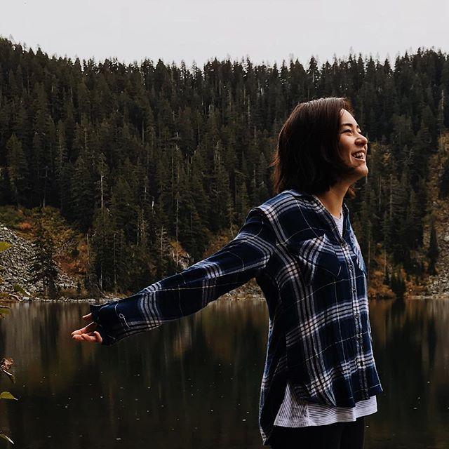 Feel the 🌧 on your skin, no one else can feel it for youuu, only youuu can let it in, no one else, no one else can feel the 🌧 on your skinnn~ #hikingwashington #womenwhohike #intentionalliving #hikingbabes #hikergirl #hikersofinstagram #hikerbabes #seattleliving #pnwonderland #pnwhiking #fallhike #pnwfall #hikingadventures #exploringpnw #exploring #adventure #inthewoods #flannelshirt #flannelseason