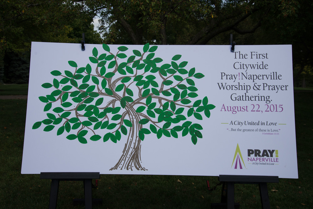 Susan Brown and the Pray Naperville team gathered near downtown Naperville's river walk last Saturday on August 22, 2015. They had a sign up table where people took a leaf,wrote on it their name, the church they go to and the city they live in.  All participants could contribute to the creating of this memorable piece of art work. PrayChicago is so excited to see God's people all over Chicagoland praying for the needs of our larger city. All glory to God!