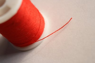 spool_of_red_thread.jpg