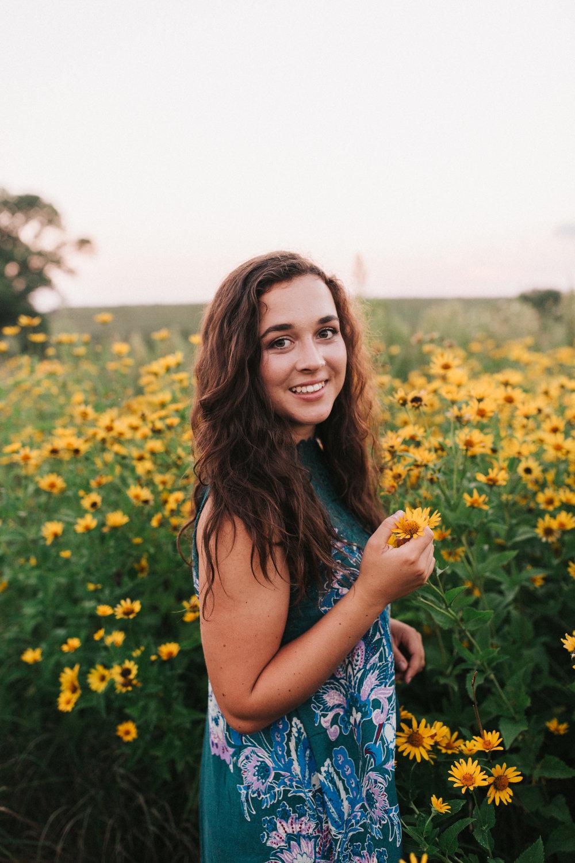 Chloe | 2018 Senior