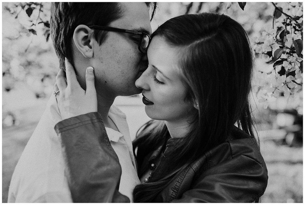 nebraska_cabin_engagement_session_wedding_photographer_adventure_0041.jpg