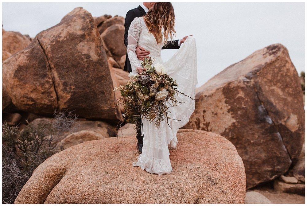 romantic_elopement_joshua_tree_adventurous_wedding_photographer_romantic_intimate_wedding_0002.jpg