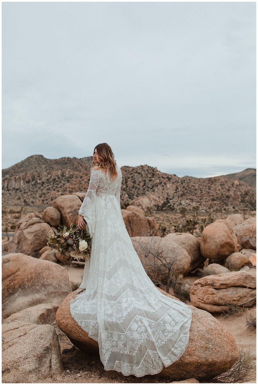 romantic_elopement_joshua_tree_adventurous_wedding_photographer_romantic_intimate_wedding_0006.jpg