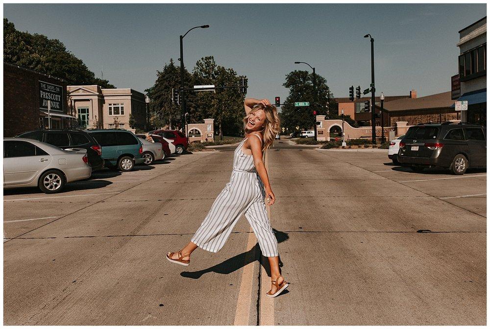 beautiful_senior_portraits_lincoln_nebraska_photographer_sunset_inspiration_outfits_haleychicoine_0014.jpg