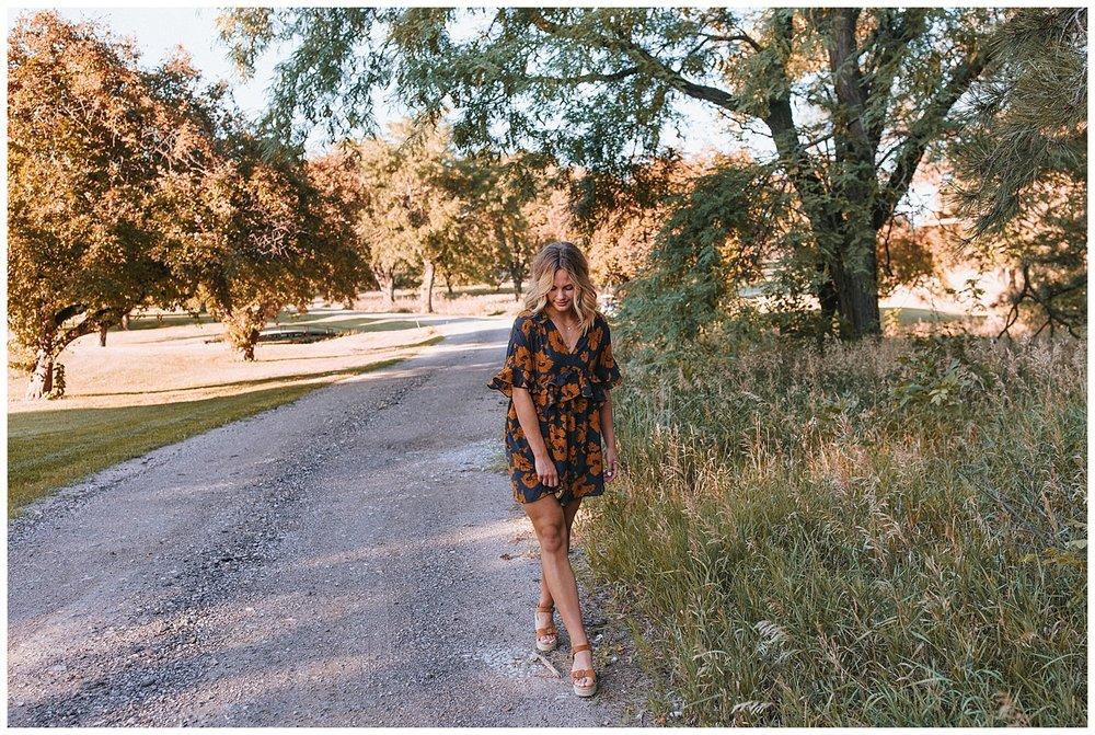 beautiful_senior_portraits_lincoln_nebraska_photographer_sunset_inspiration_outfits_haleychicoine_0026.jpg