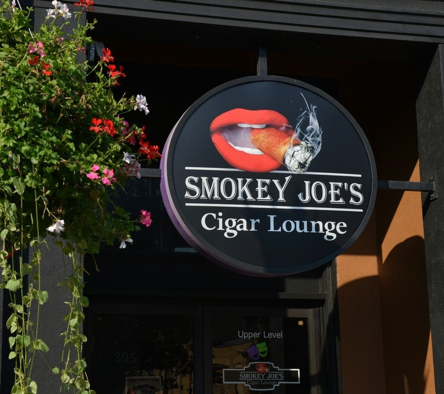 Smokey Joes - Best Cigar Lounge.jpg