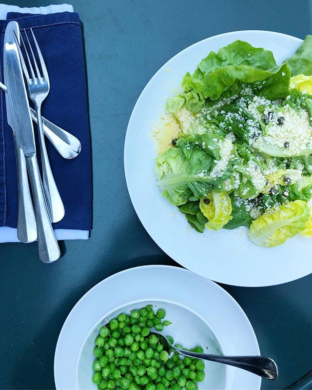 New England summer lunch is a bowl of buttered fresh peas. Salad by way of England (bc #LittleGem 🌿 + also the 🇬🇧⚽️ match). A #global idea but all of it #farmstandfresh from Shady Brook. This is Wednesday in Maine w my love. . . #goengland #newengland #summerlunch #farm #justpicked