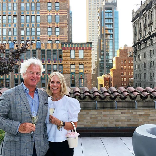 We stepped outside. .  Summer cocktails w @soanemuseum @roman_and_williams_. On one stunner of a terrace 🌳 @ramsarchitects @aliceryanmiller - much more in the story.  #realdeal #nycinsta #oneparkavenue #sirjohnsoanesmuseumfoundation