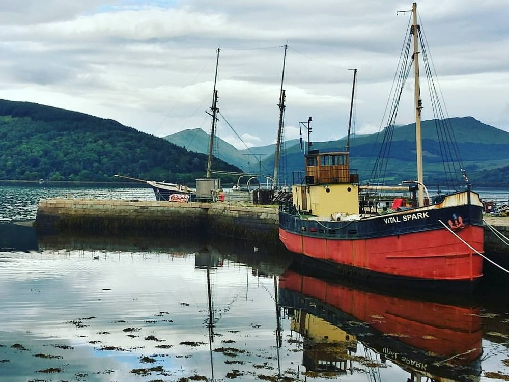 The beautiful port town of Inveraray, with Vital Spark docked...but it would be less than plain sailing for United on the day.