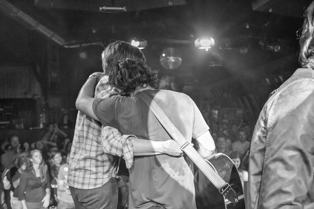 Hugs at the end of an incredible night. (Photo: JP Van Swae)