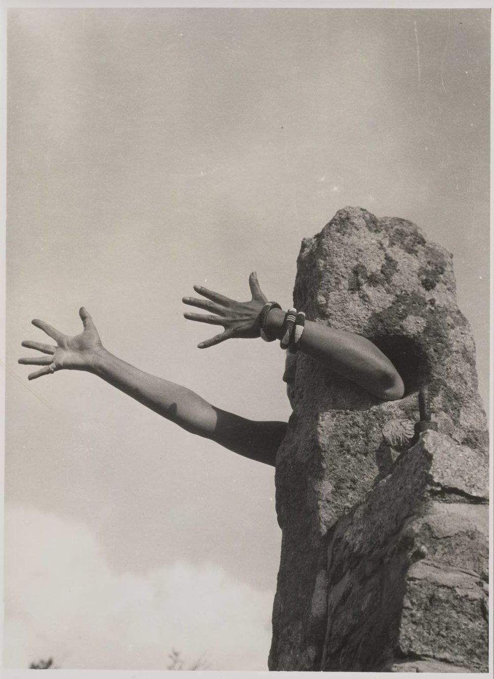 Je tends les bras , Claude Cahun, 1931