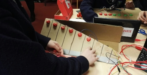 ONGOING Build Your Own Musical Instrument An introduction to interactive technology, MaKey MaKey. Learn about conductive materials and how these materials can be used creatively to make game controllers and musical instruments. More information...