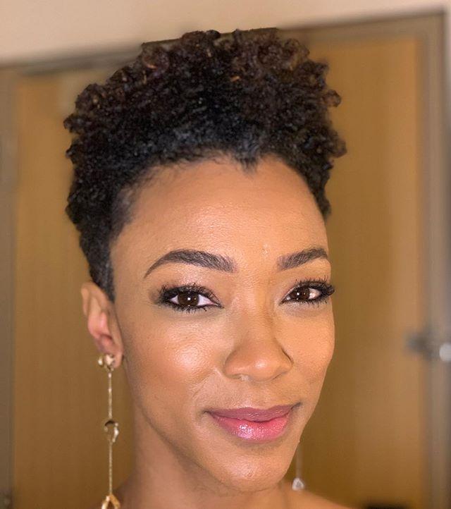 Morning glow @therealsonequa Using #lips @fleshbeauty and #foundation @makeupforeverus #eyebrows @anastasiabeverlyhills in dark brown #startrek