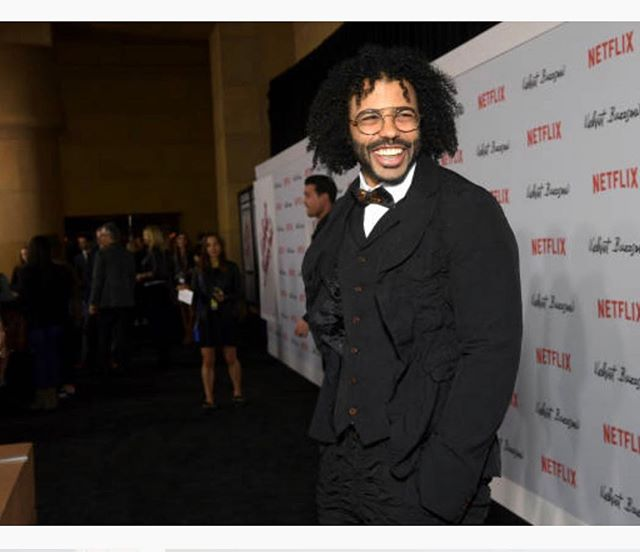 Such a great smile @daveeddiggs #velvetbuzzsaw #mensgrooming Skin @kiehls Hair @moroccanoil Styled by @johntanstyling