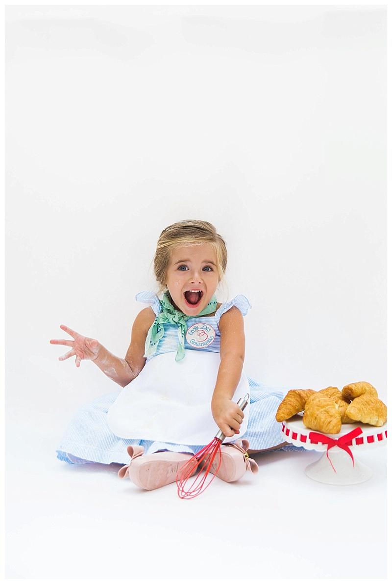DIY Julia Child Halloween Costume  sc 1 st  Cake u0026 Confetti & DIY JULIA CHILD HALLOWEEN COSTUME u2014 Cake u0026 Confetti