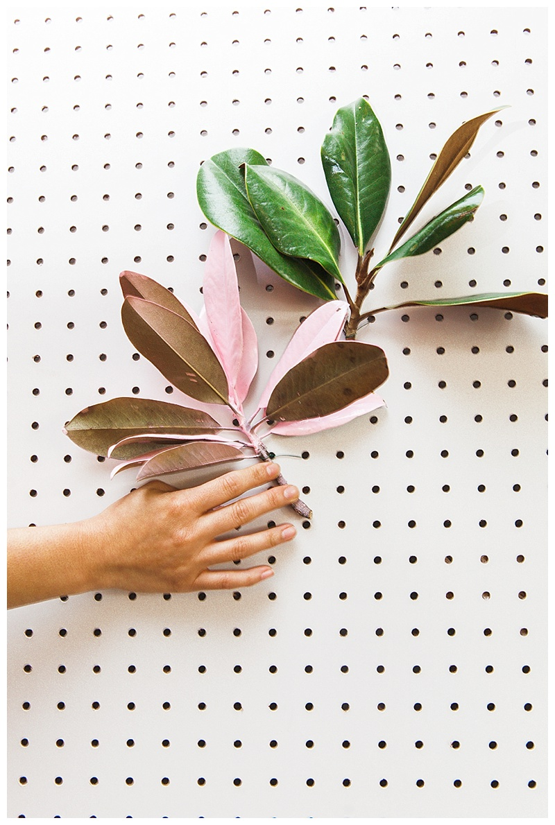 pegboard-greenery-diy-christmas-tree