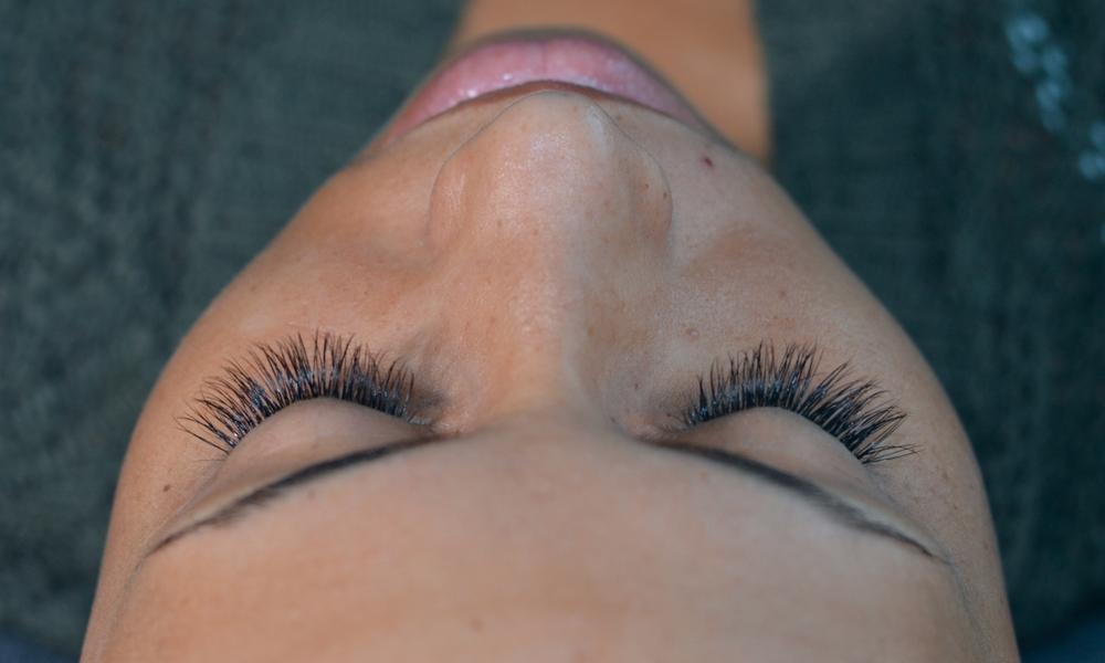 Eyelash Extensions Hannah Johnston