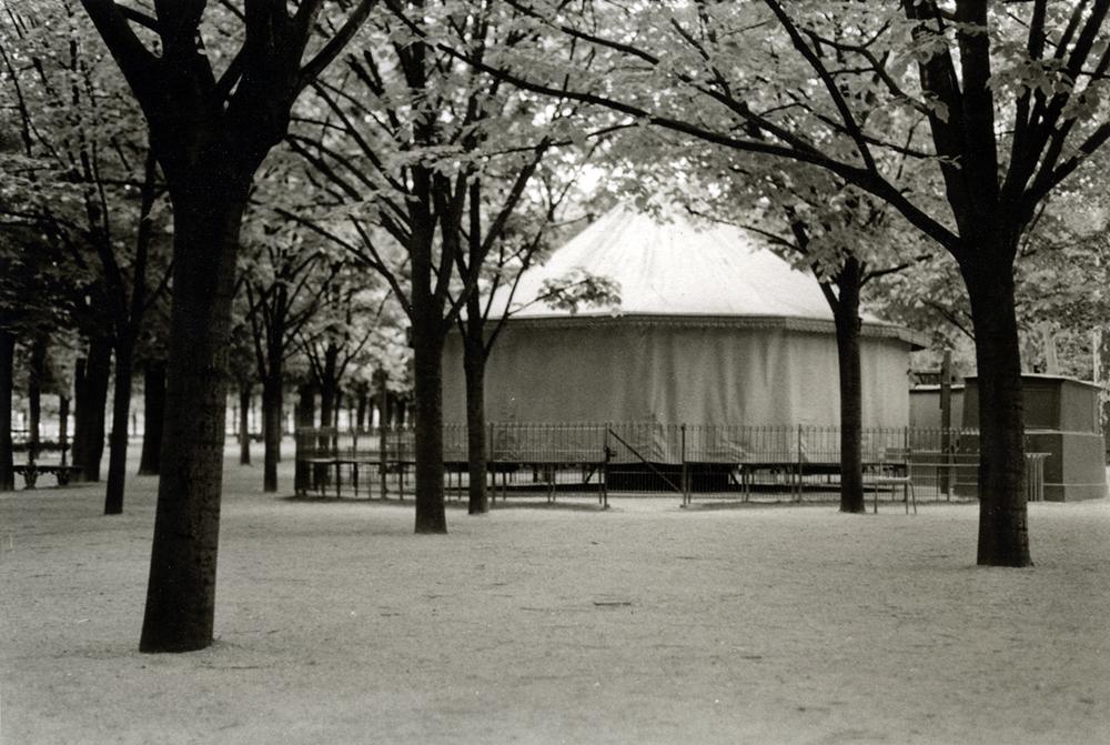 carousel_paris.jpg