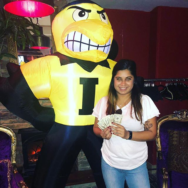 A big congratulations to the 50/50 raffle winner Zahra Ahmed!! She won $240. Join us every game day @playwright35th, our official game watch bar and maybe you could be the lucky winner next time :) #gohawks #nymetrowiowaclub #nychawkeyes